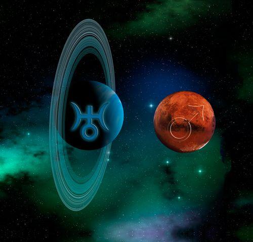 Uranus-and-Mars2