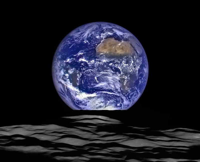 Earth-Rising-2020